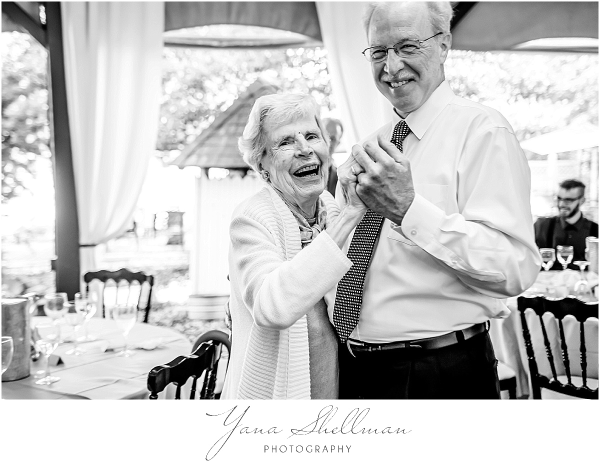 rustic Vandiver Inn Wedding by the top NJ rustic Wedding Photographers