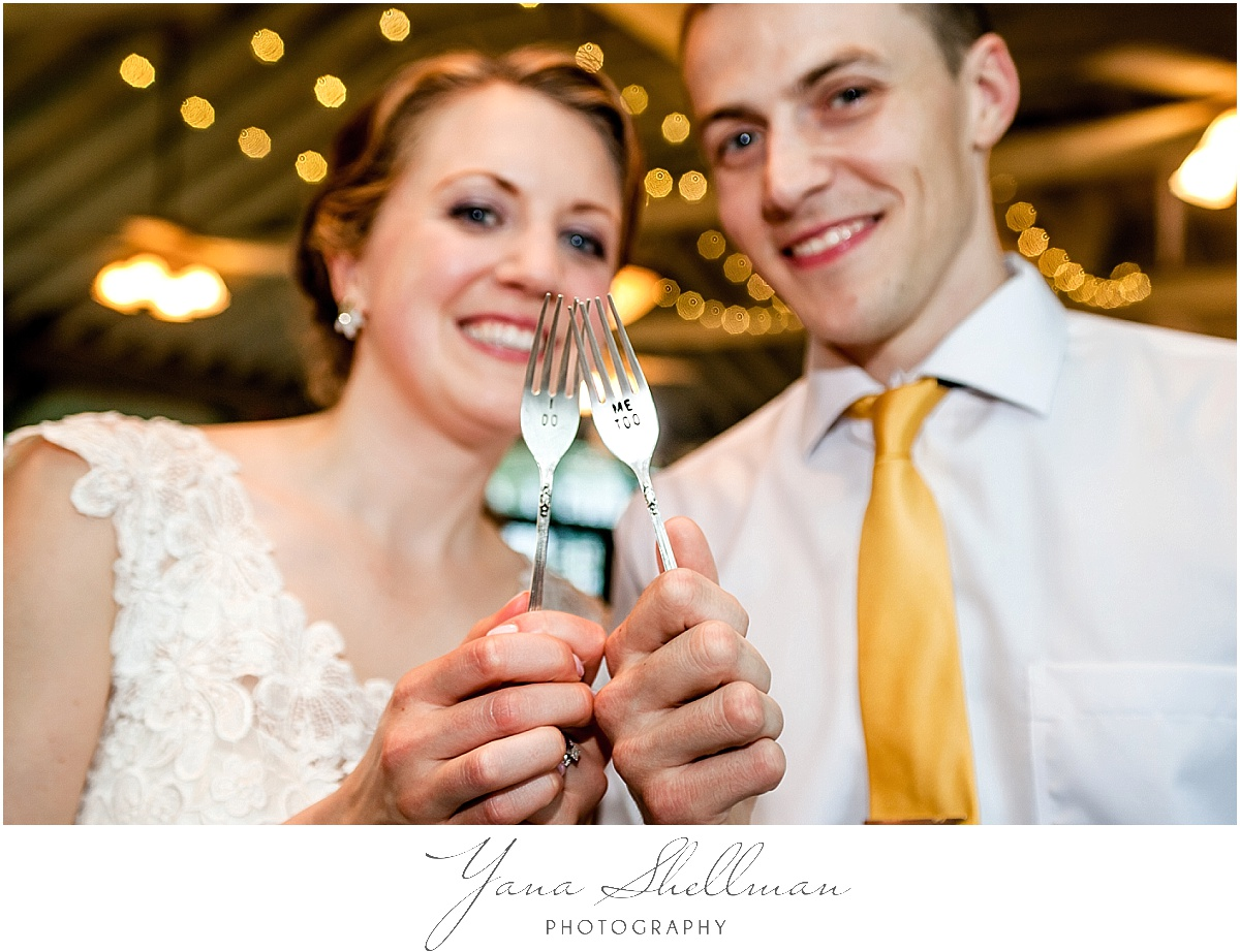 rustic Vandiver Inn Wedding by NJ Wedding Photographers