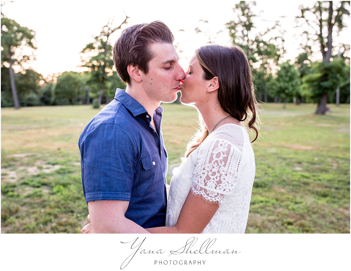 Brigalias Wedding by Philadelphia Wedding Photographer - Lindsay+Rob engagement session
