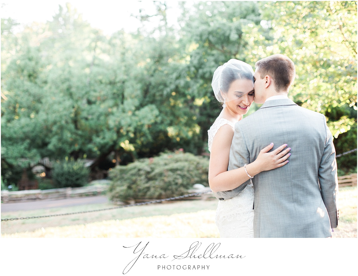 morris-arboretum-wedding-photos-by-center-city-philly-wedding-photographers-kaylalinus-wedding