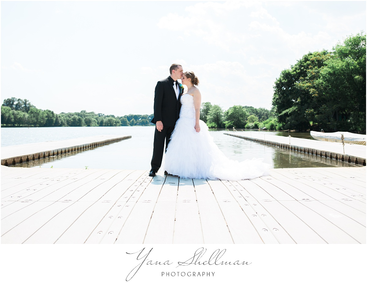 camden-county-boathouse-wedding-photos-by-delran-wedding-photographer-emilybob-wedding