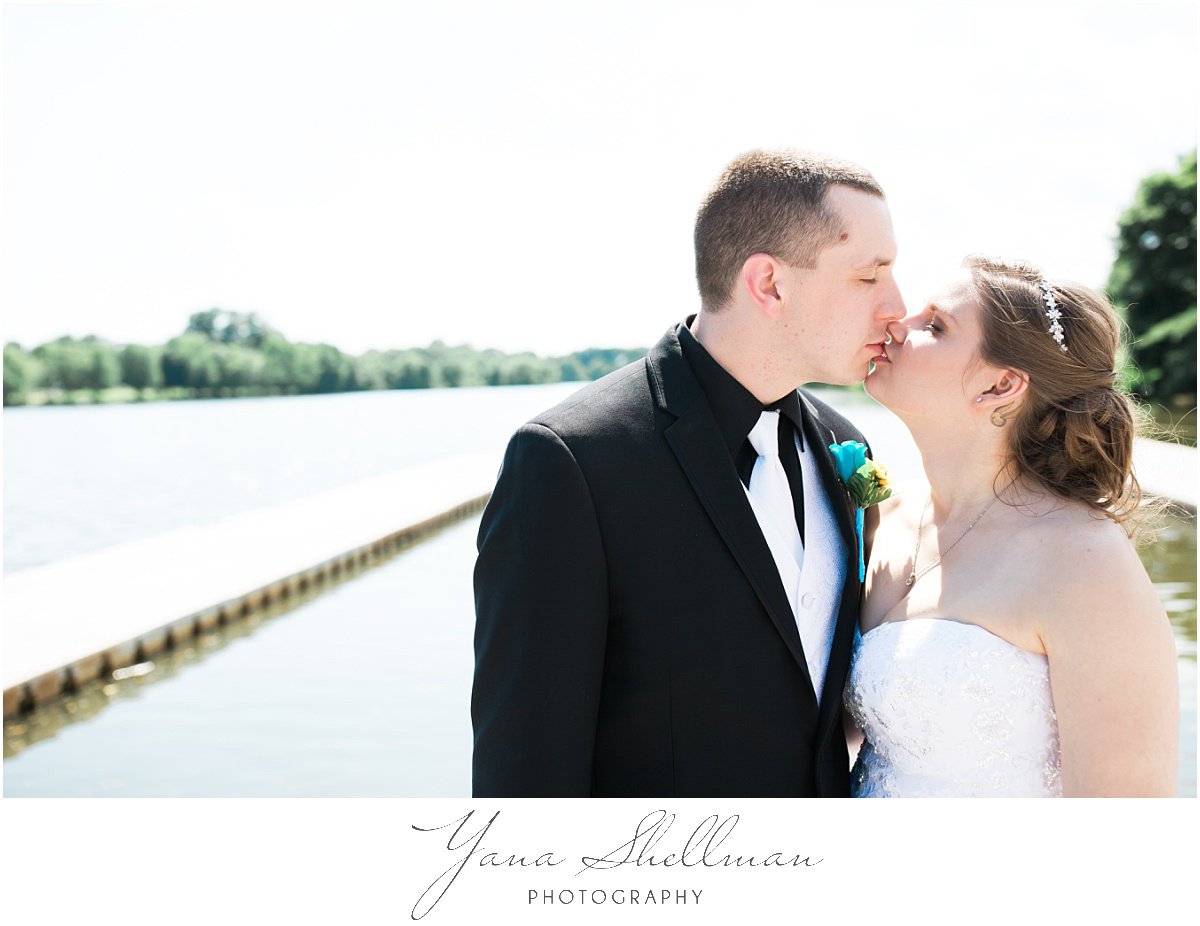 camden-county-boathouse-wedding-photos-by-delran-wedding-photographers-emilybob-wedding