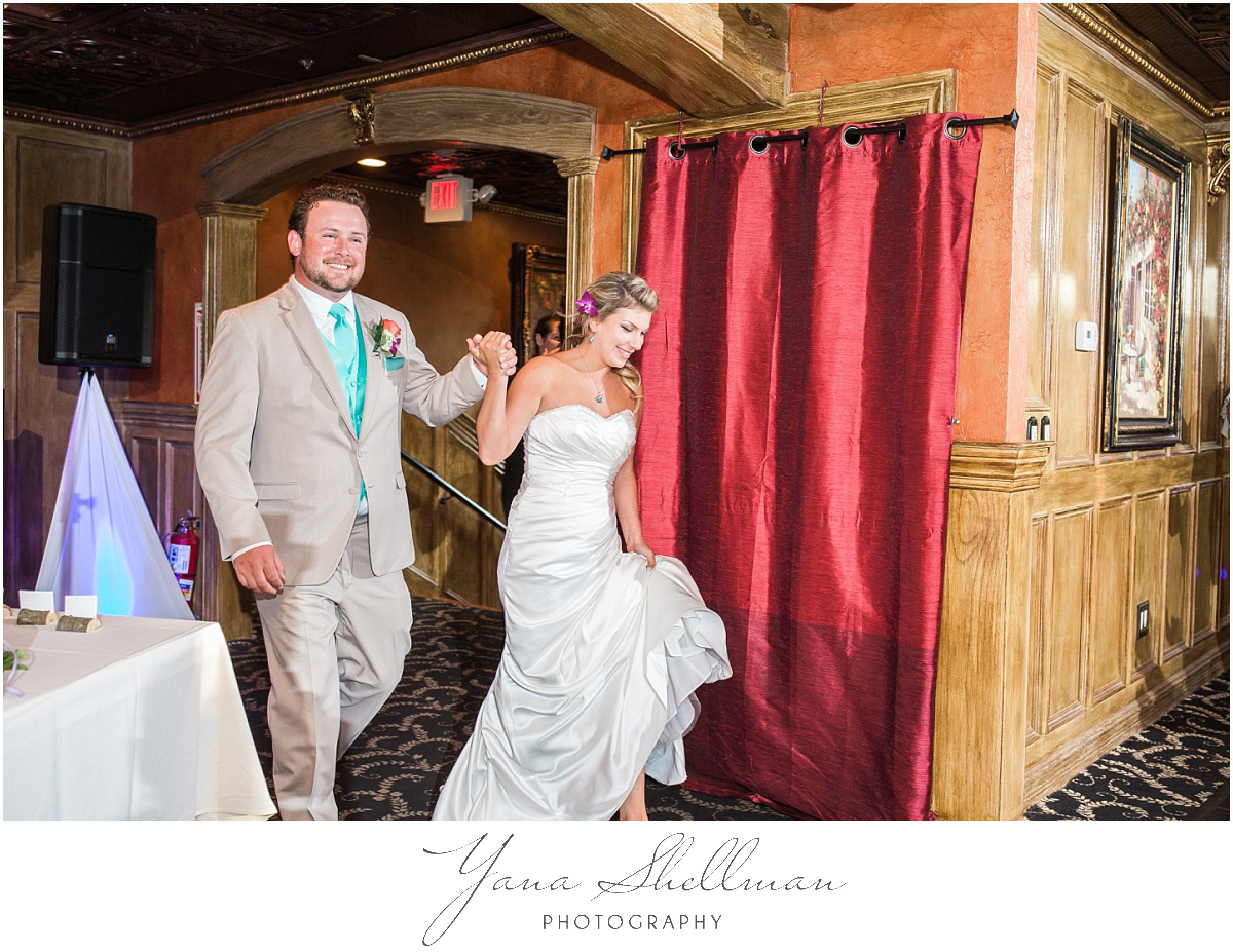 ciros-ristorante-italiano-wedding-photos-by-haddonfield-wedding-photographers-christinanick-wedding