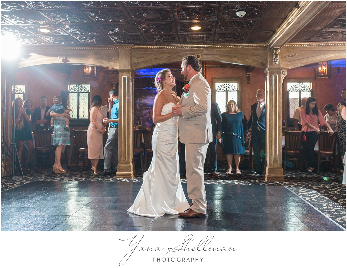ciros-ristorante-italiano-wedding-photos-by-the-best-haddonfield-wedding-photographer-christinanick-wedding
