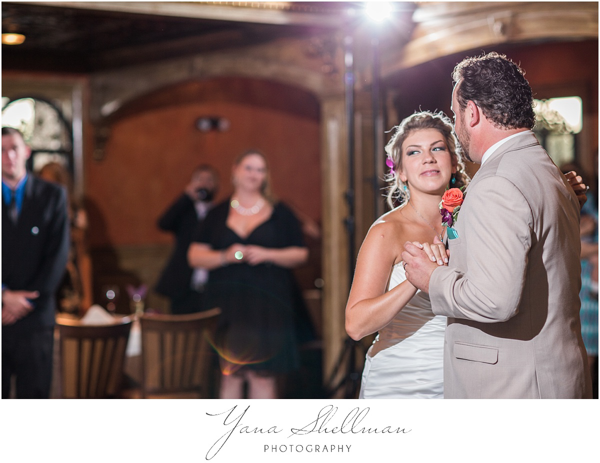 ciros-ristorante-italiano-wedding-photos-by-the-best-haddonfield-wedding-photographers-christinanick-wedding