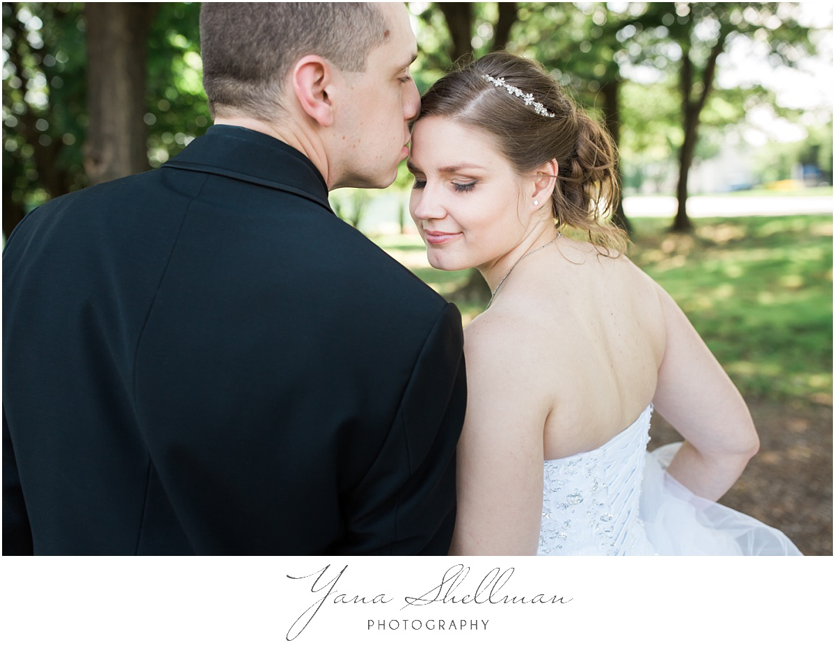 camden-county-boathouse-wedding-photos-by-the-best-moorestown-wedding-photographers-emilybob-wedding