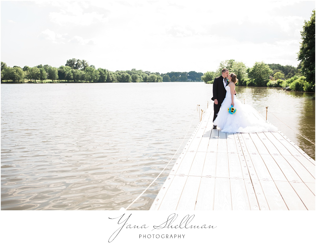 camden-county-boathouse-wedding-photos-by-the-best-vineland-wedding-photographers-emilybob-wedding