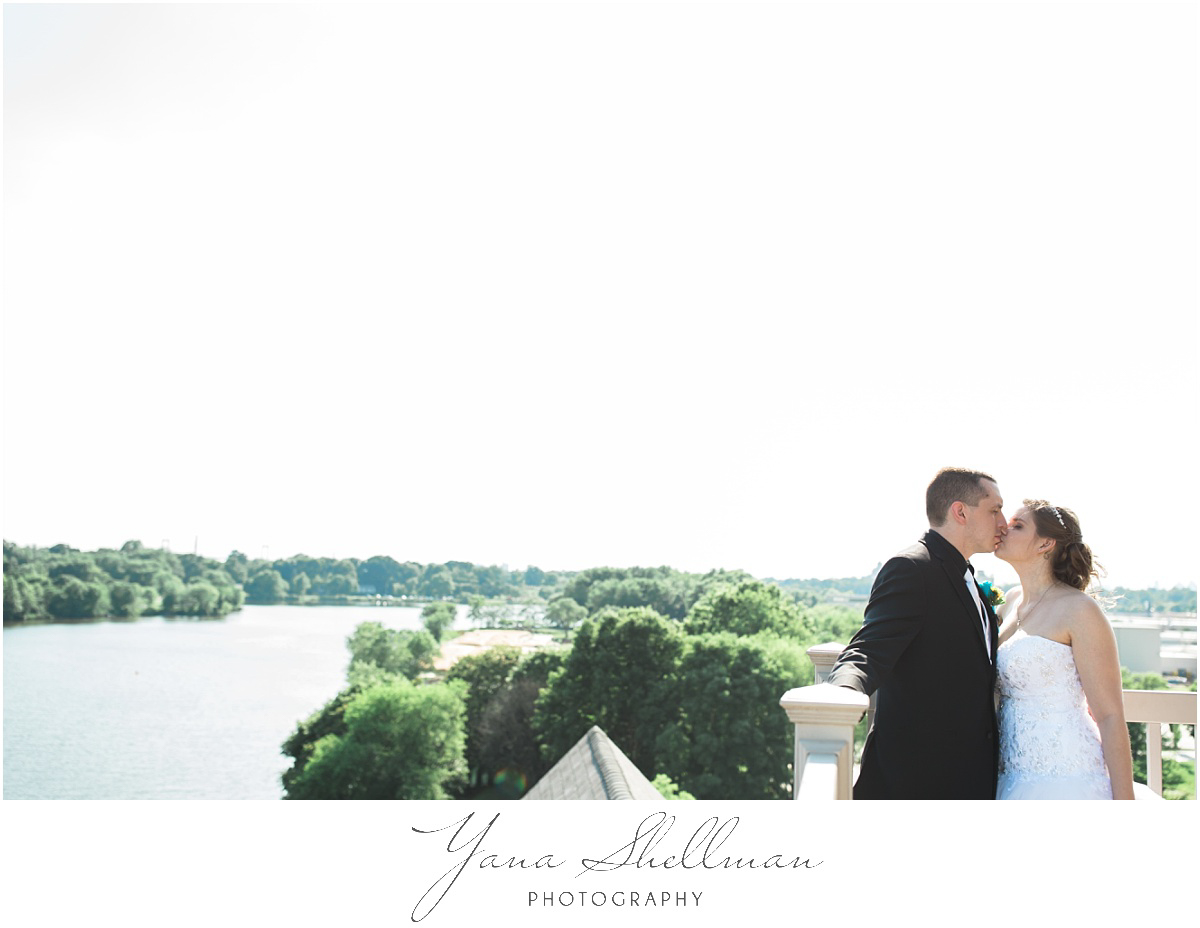 camden-county-boathouse-wedding-photos-by-the-best-haddnofield-wedding-photographers-emilybob-wedding