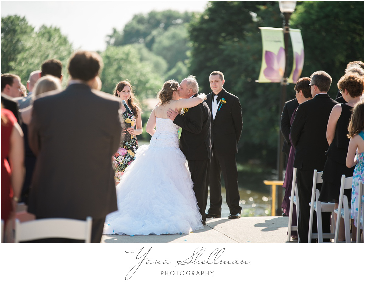 camden-county-boathouse-wedding-photos-by-the-best-lumberton-wedding-photographers-emilybob-wedding