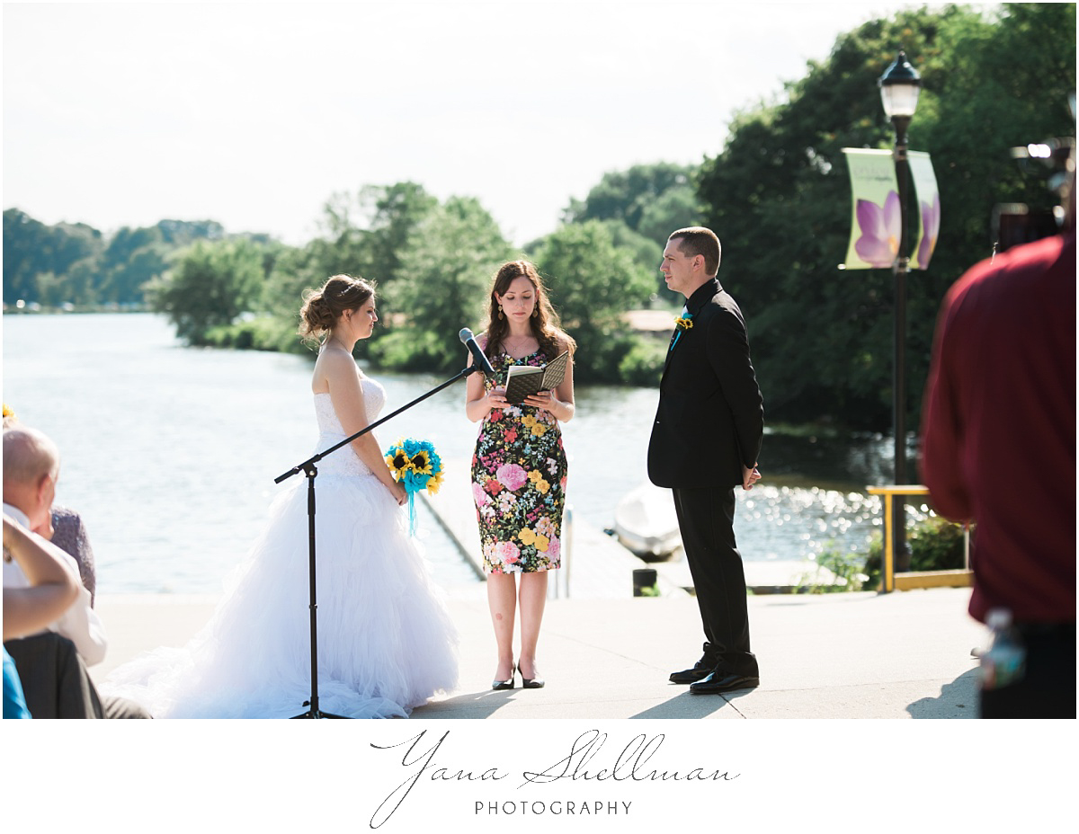 camden-county-boathouse-wedding-photos-by-deptford-wedding-photographer-emilybob-wedding