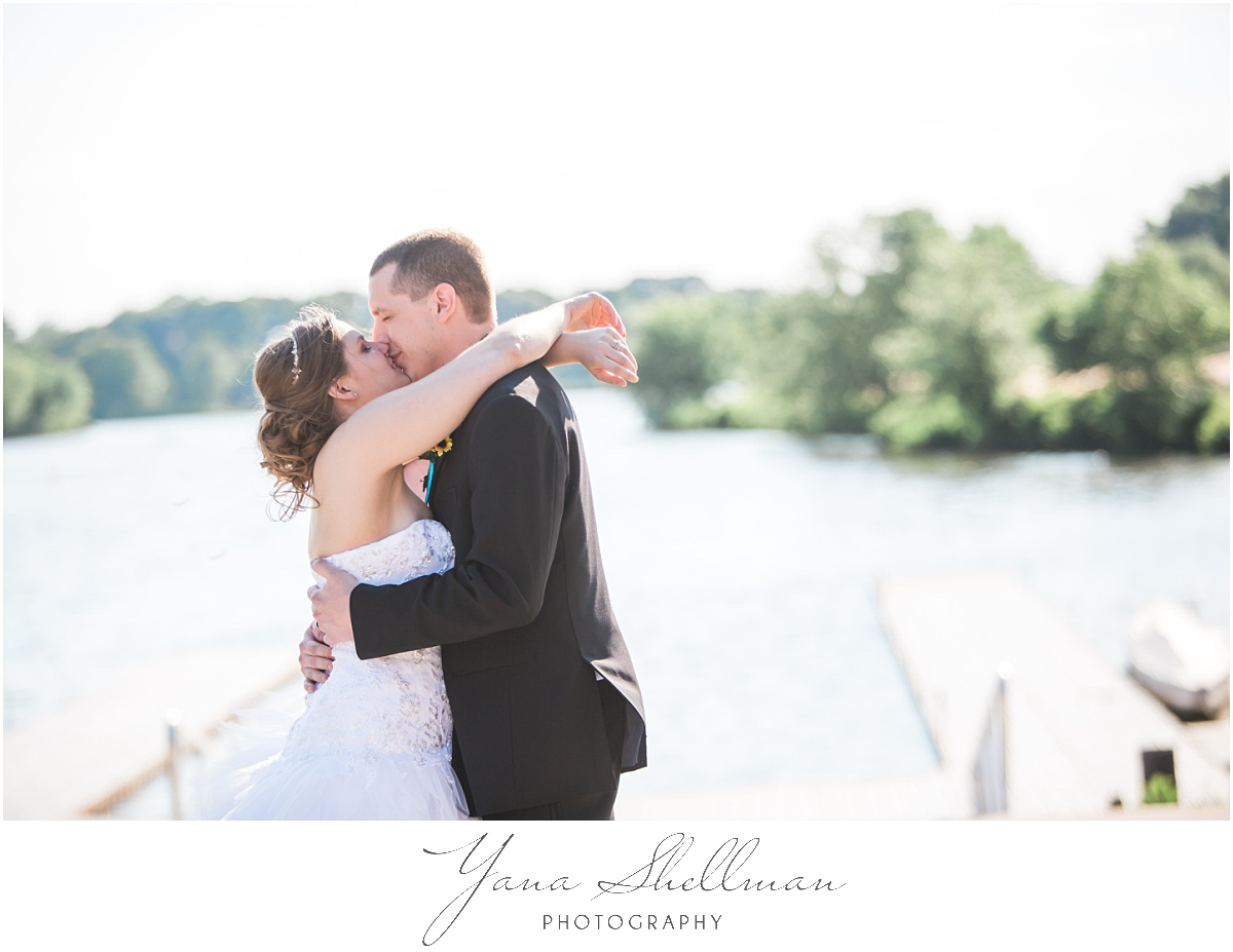 camden-county-boathouse-wedding-photos-by-voorhees-wedding-photographers-emilybob-wedding