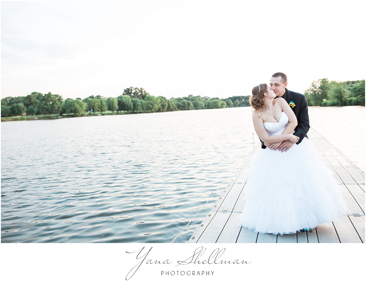 camden-county-boathouse-wedding-photos-by-point-pleasant-wedding-photographer-emilybob-wedding