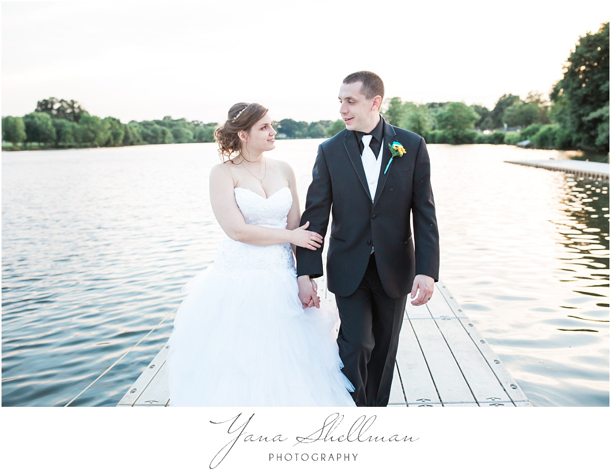 camden-county-boathouse-wedding-photos-by-point-pleasant-wedding-photographers-emilybob-wedding