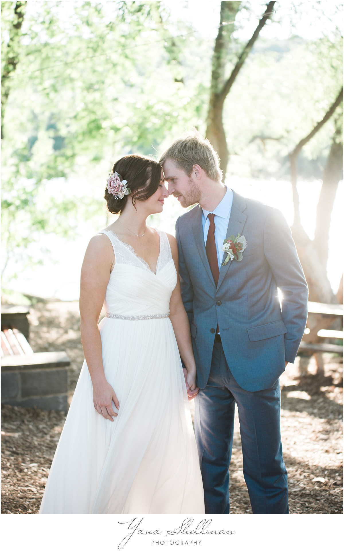 darby-barn-wedding-photos-by-darby-wedding-photographer-kellyben-romantic-and-fun-wedding-photos