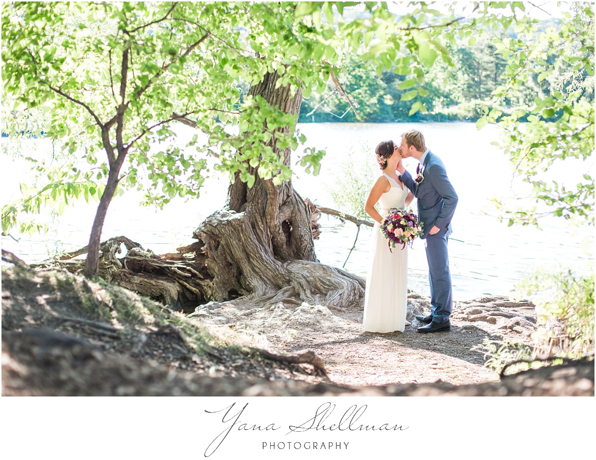 vineland-barn-wedding-photos-by-vineland-wedding-photographers-kellyben-romantic-and-fun-wedding-photos