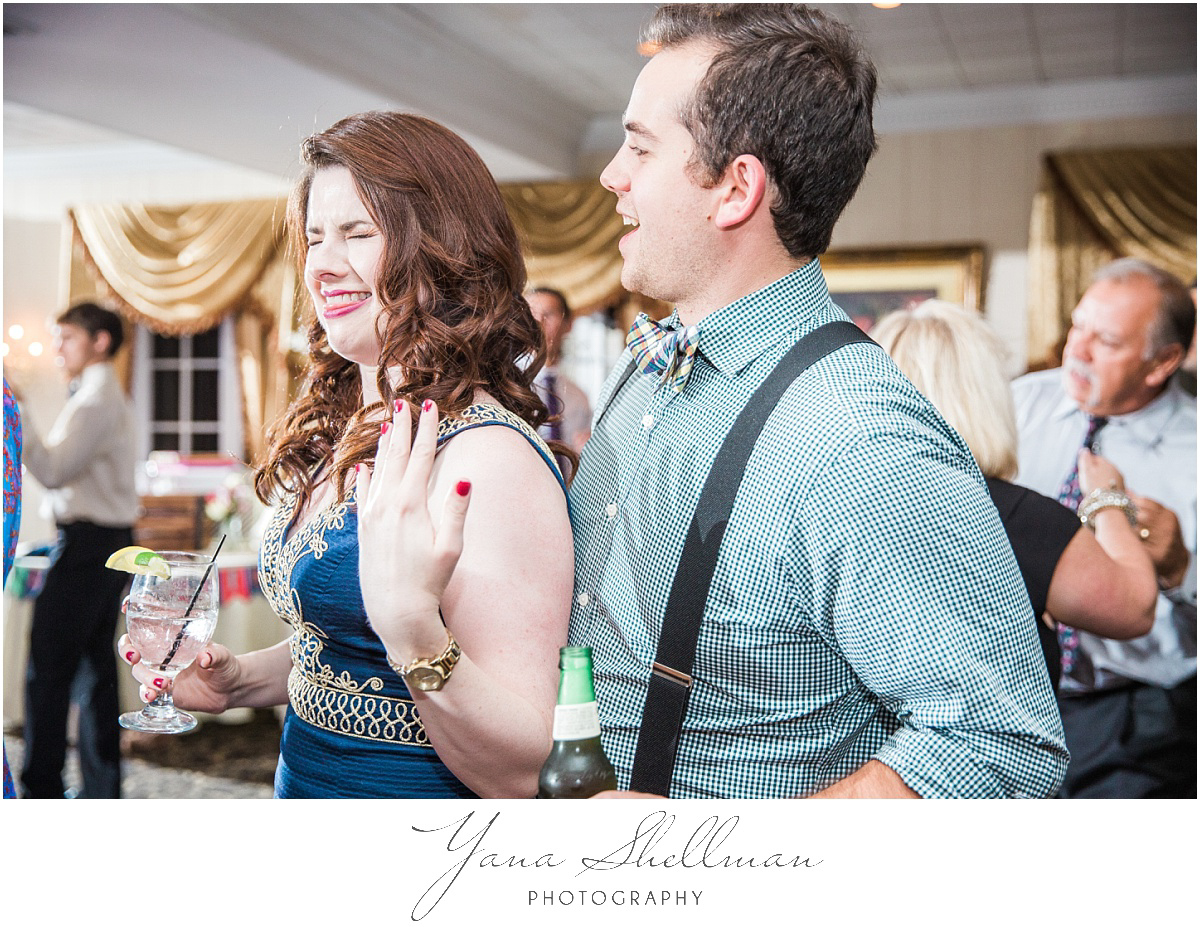 washington-crossing-inn-wedding-photos-by-the-best-haddonfield-wedding-photographers-light-and-airy-noratony-wedding-photos
