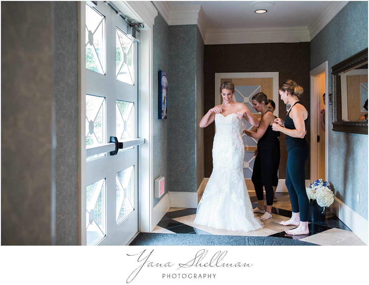 pinecrest-country-club-wedding-photos-by-princeton-wedding-photographers-aliciachris-romantic-light-and-airy-wedding-photos