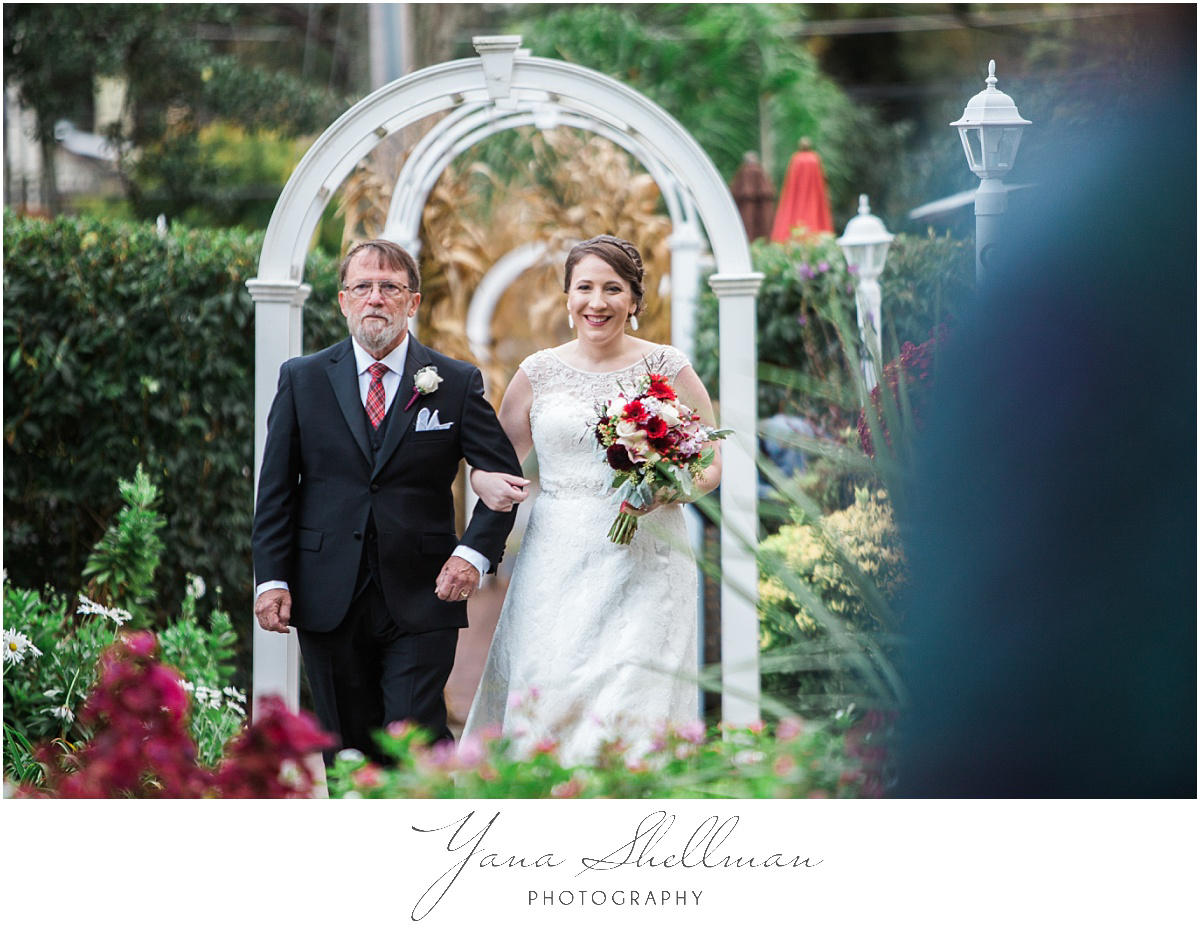 washington-crossing-inn-wedding-photos-by-avalon-wedding-photographera-light-and-airy-noratony-wedding-photos