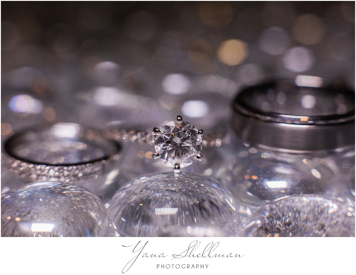 pinecrest-country-club-wedding-photos-by-medford-wedding-photographers-aliciachris-romantic-light-and-airy-wedding-photos