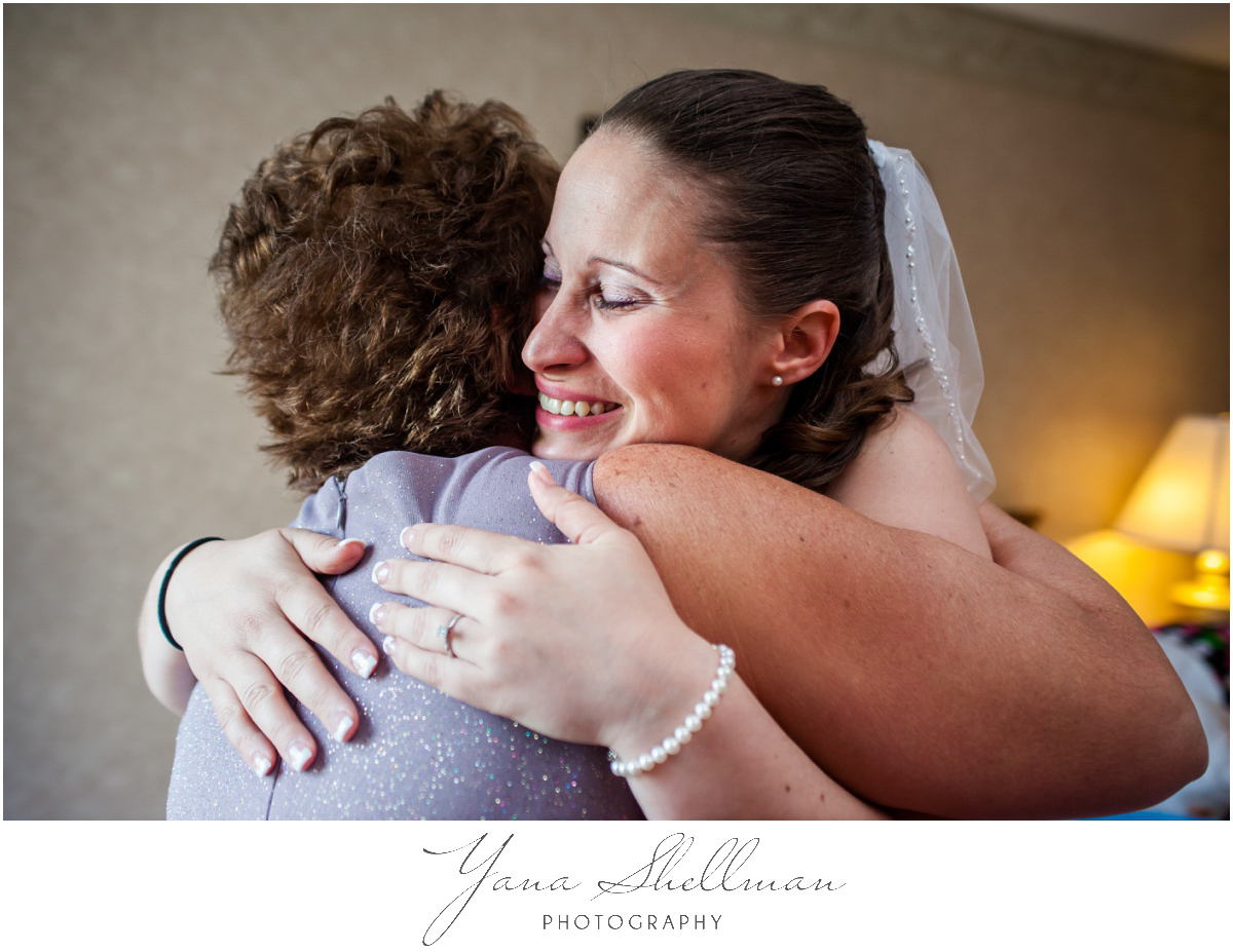 Radisson Hotel Philadelphia Wedding Photos by the best South Jersey Wedding Photographers - Rachel+Rick Wedding Photos