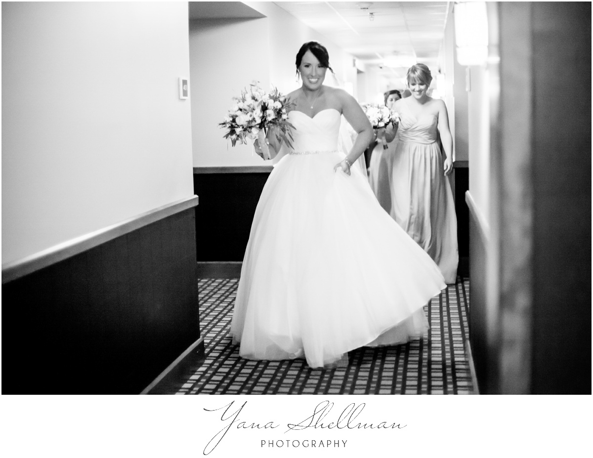 Bear Creek Mountain Resort Wedding Photos by Center City Philly Wedding Photographer - Tiffany+Mike Wedding Photos