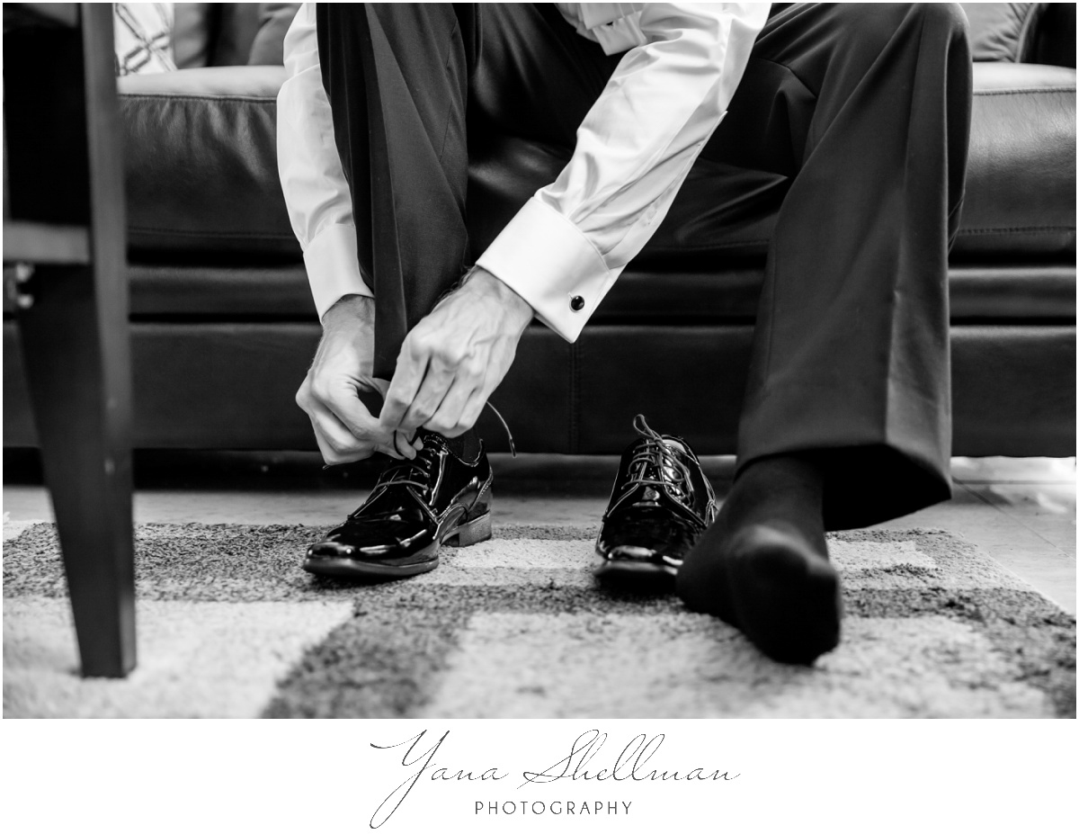 Radnor Valley Country Club Wedding Photos by the best Phily Wedding Photographer - Alex+Kelli Wedding Photos