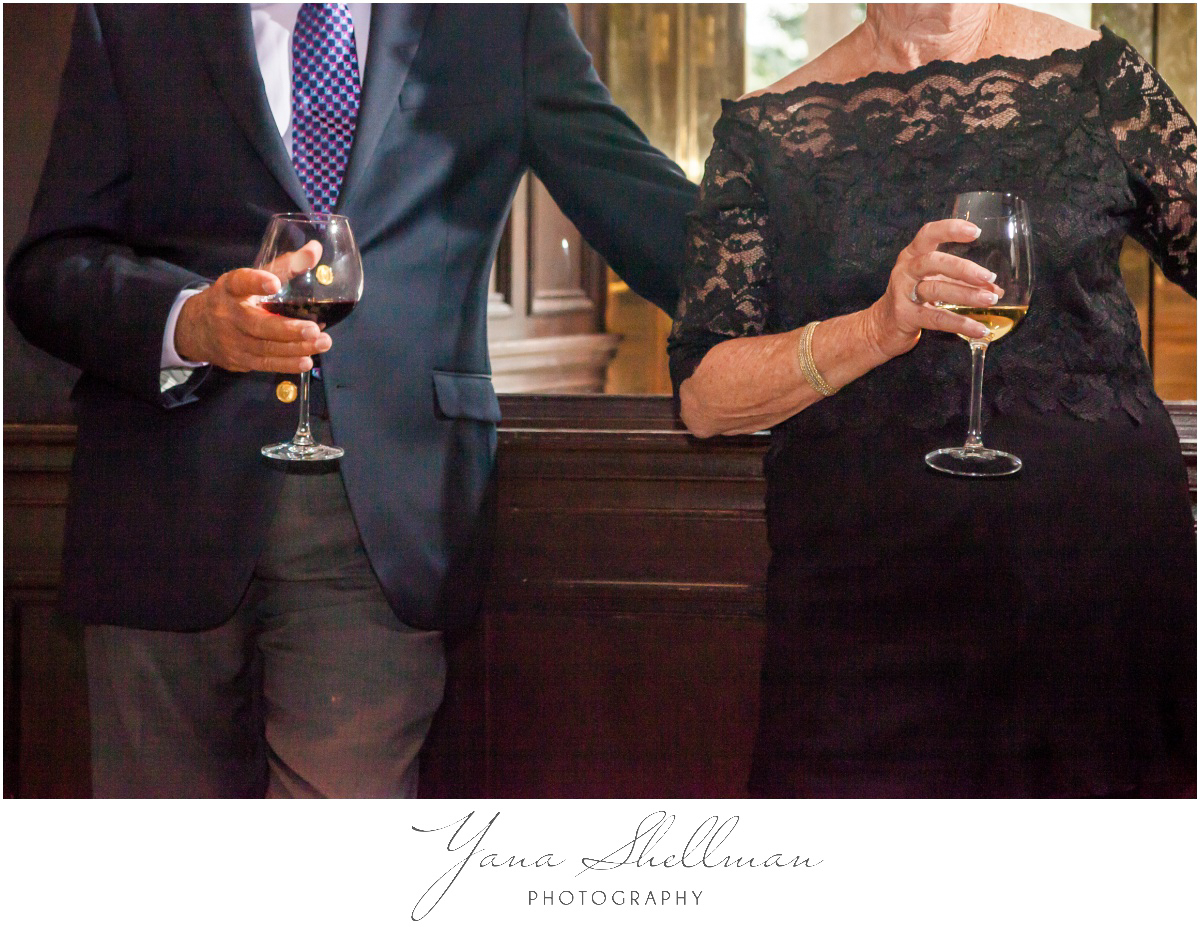 Barclay Prime Wedding Photos by the best Haddonfield Wedding Photographer - Michelle+Jeff Intimate Wedding Photos