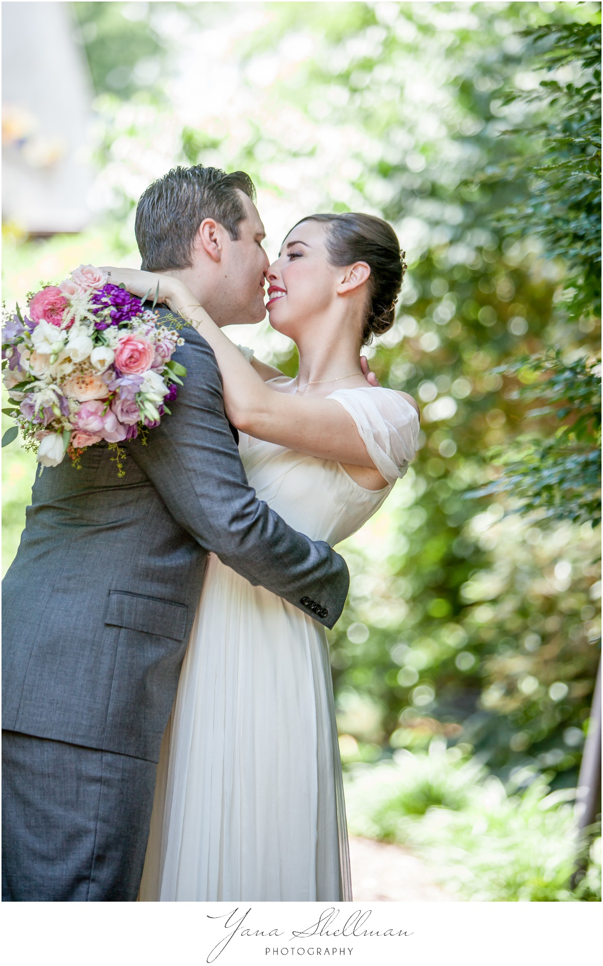 General Warren Inne Wedding Photos by Center City Philadelphia Wedding Photographers - Rachel+John Wedding Photos