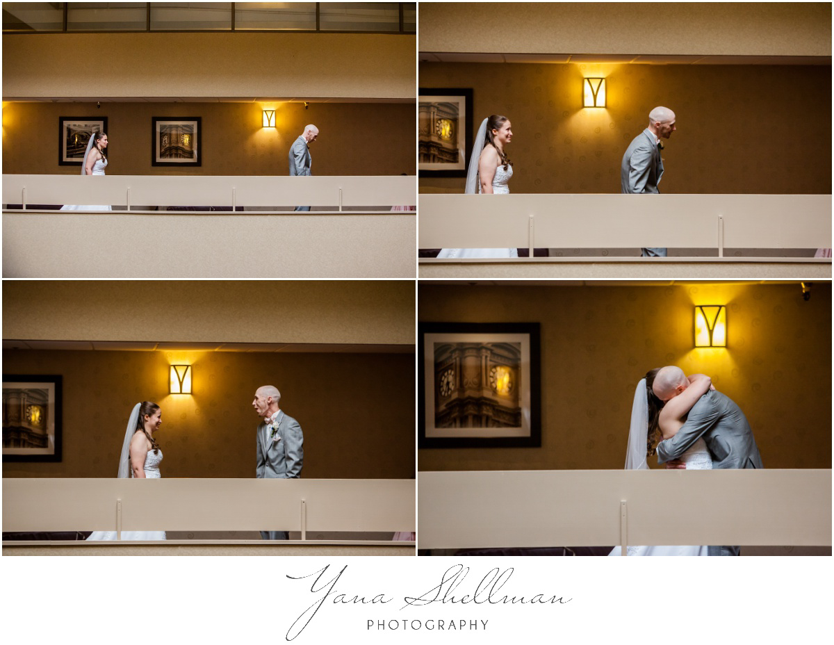 Radisson Hotel Philadelphia Wedding Photos by Moorestown Wedding Photographers - Rachel+Rick Wedding Photos