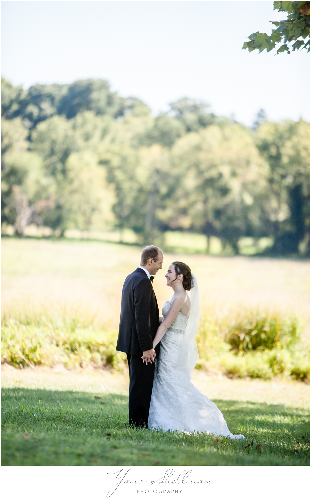 Radnor Valley Country Club Wedding Photos by Medford Wedding Photographer - Alex+Kelli Wedding Photos