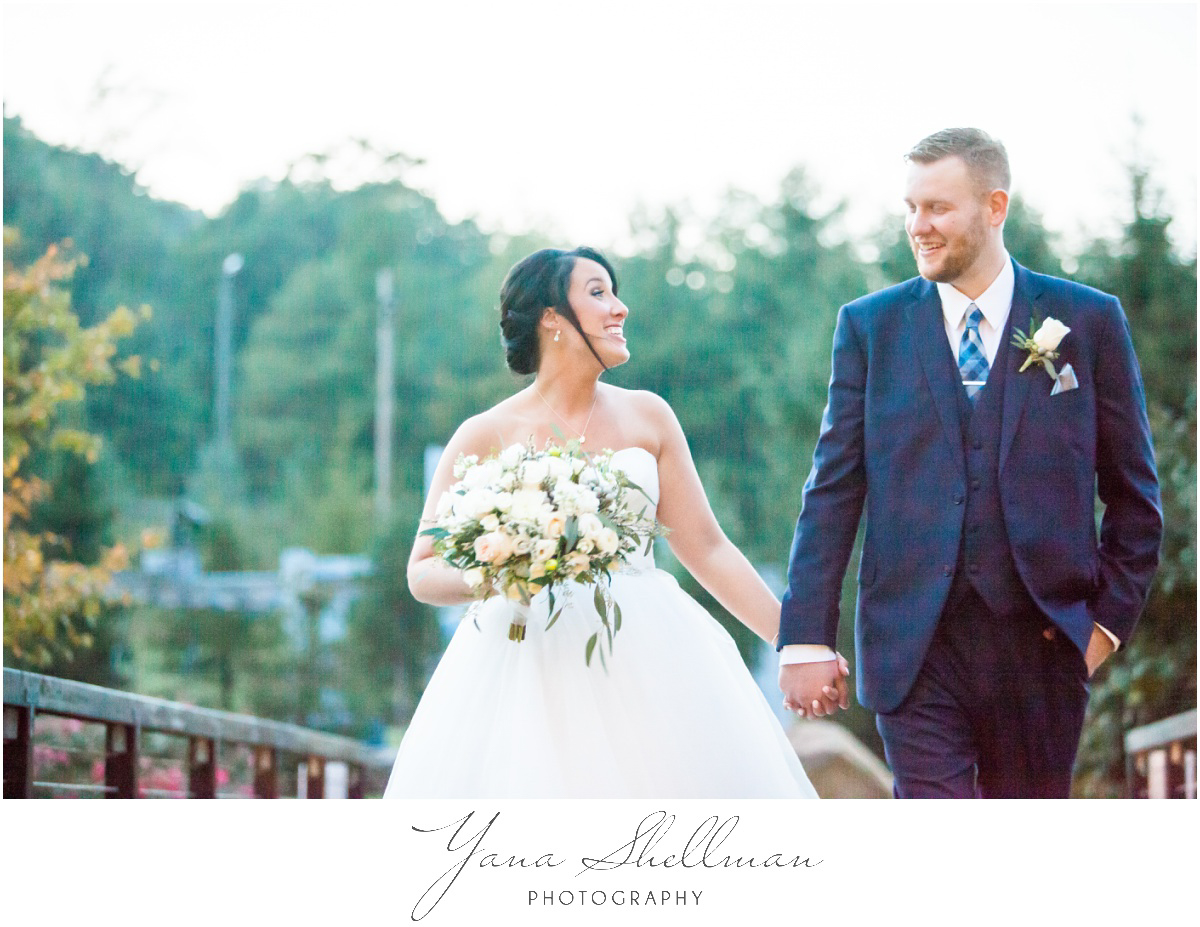 Bear Creek Mountain Resort Wedding Photos by the best Lumberton Wedding Photographers - Tiffany+Mike Wedding Photos
