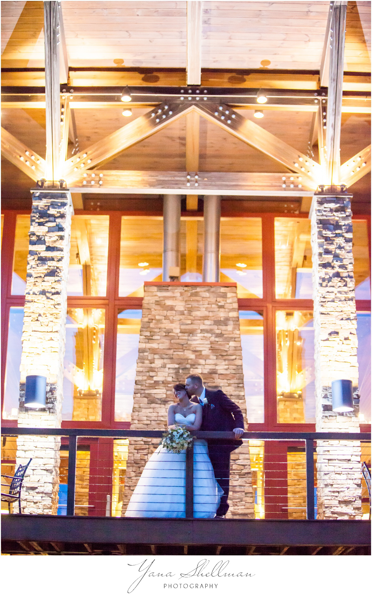 Bear Creek Mountain Resort Wedding Photos by Medford Wedding Photographer - Tiffany+Mike Wedding Photos