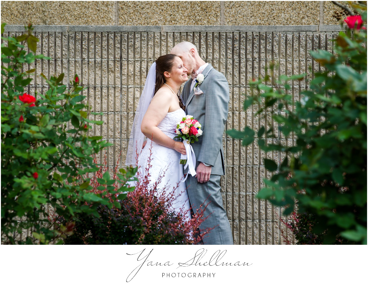Radisson Hotel Philadelphia Wedding Photos by Lumberton Wedding Photographers - Rachel+Rick Wedding Photos