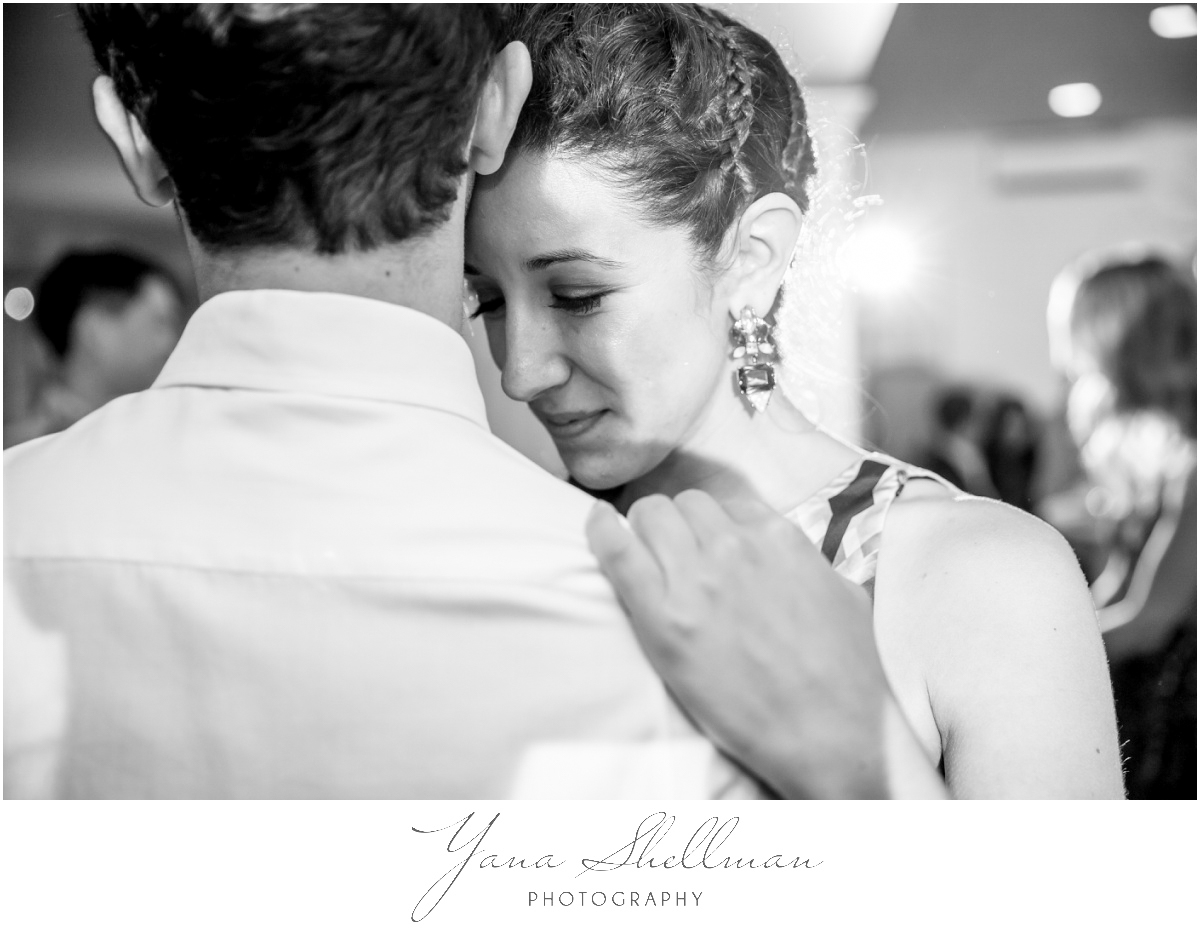 Centre Bridge Inn Wedding Photos by Medford Wedding Photographers - Rachel+Sinan Wedding Photos