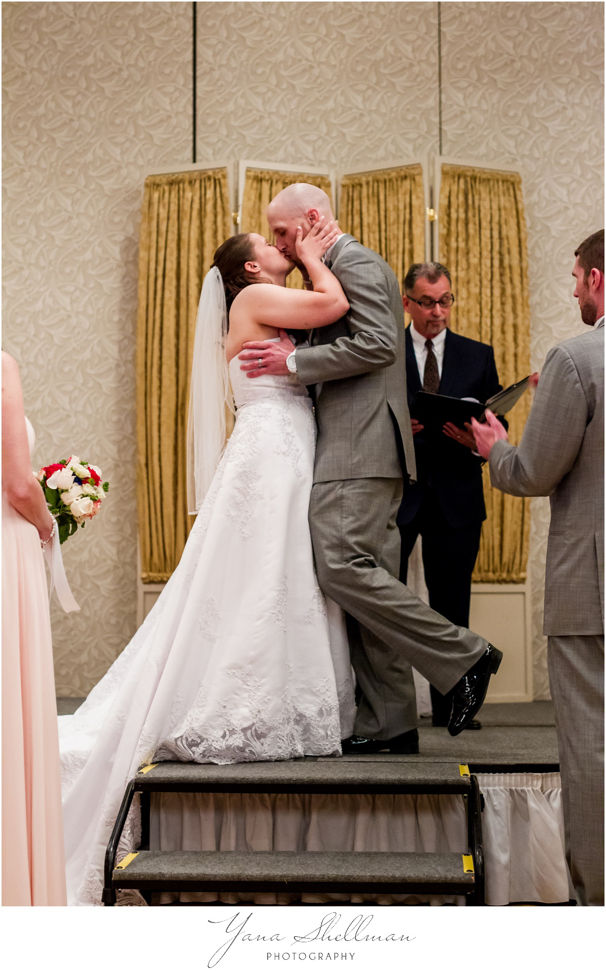 Radisson Hotel Philadelphia Wedding Photos by the best Mt Laurel Wedding Photographers - Rachel+Rick Wedding Photos