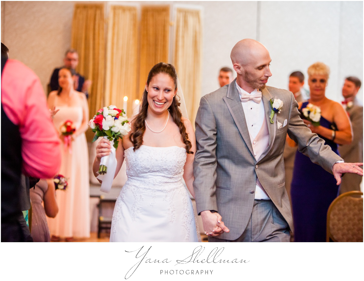 Radisson Hotel Philadelphia Wedding Photos by Cinnaminson Wedding Photographer - Rachel+Rick Wedding Photos