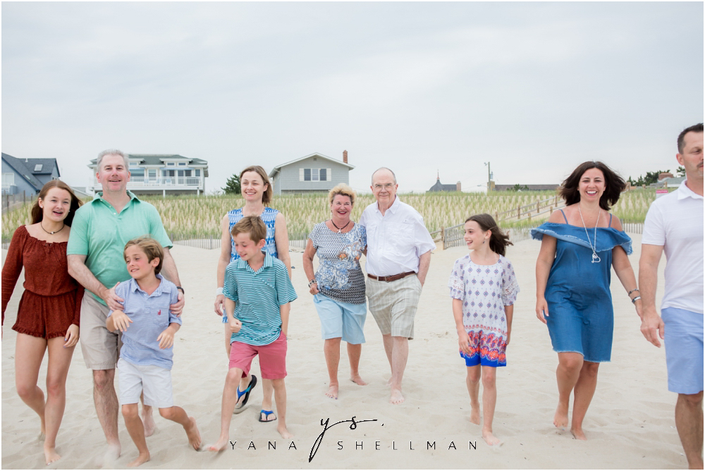 Beach Haven Family Photo Session captured by Beach Haven family Photographers - Linda+Tom Family Photos