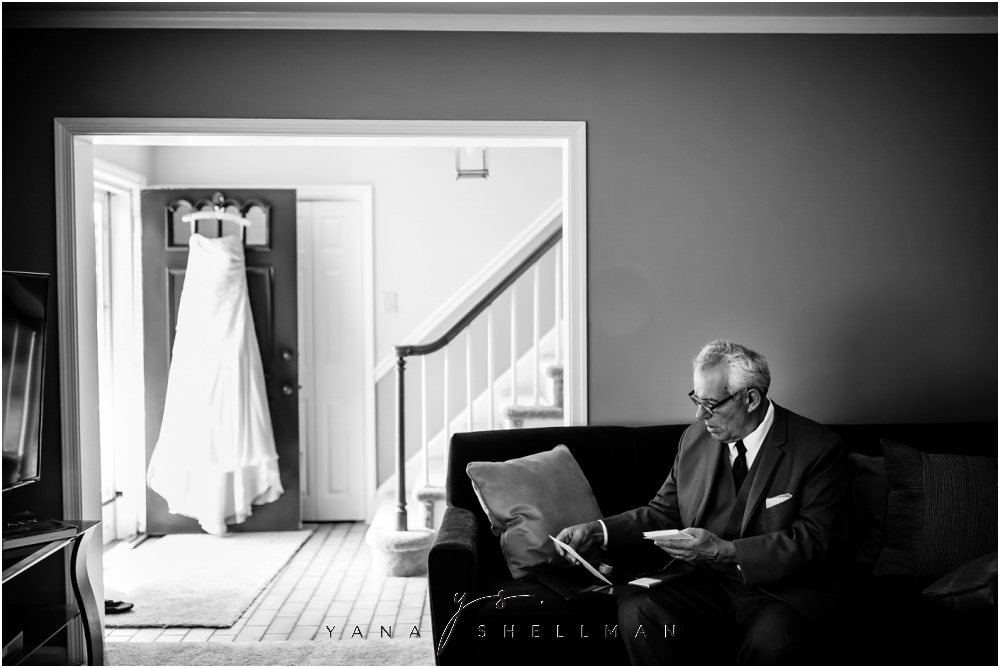 2424 Studios Wedding Photos captured by the best South Jersey Wedding Photographers - Gina+Mike Wedding Photos