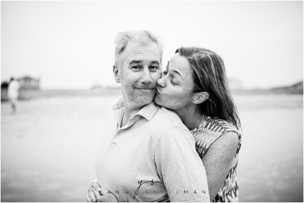 Beach Haven Family Photo Session captured by Marlton Photographers - Tom+Debra Family Photos