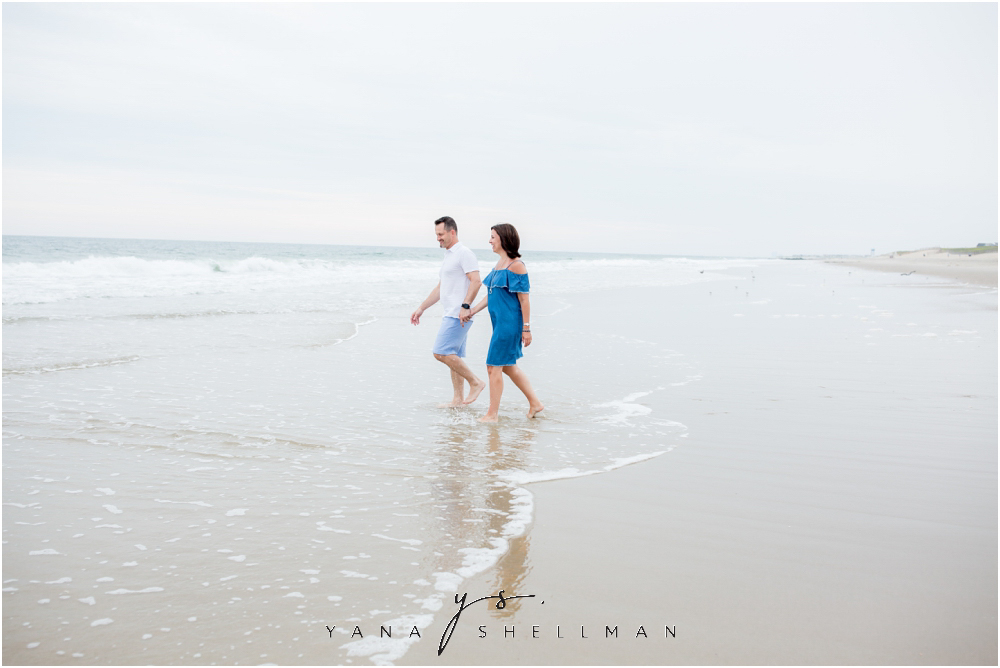 Beach Haven Family Photo Session captured by Beach Haven family Photographers - Dave+Debra Family Photos