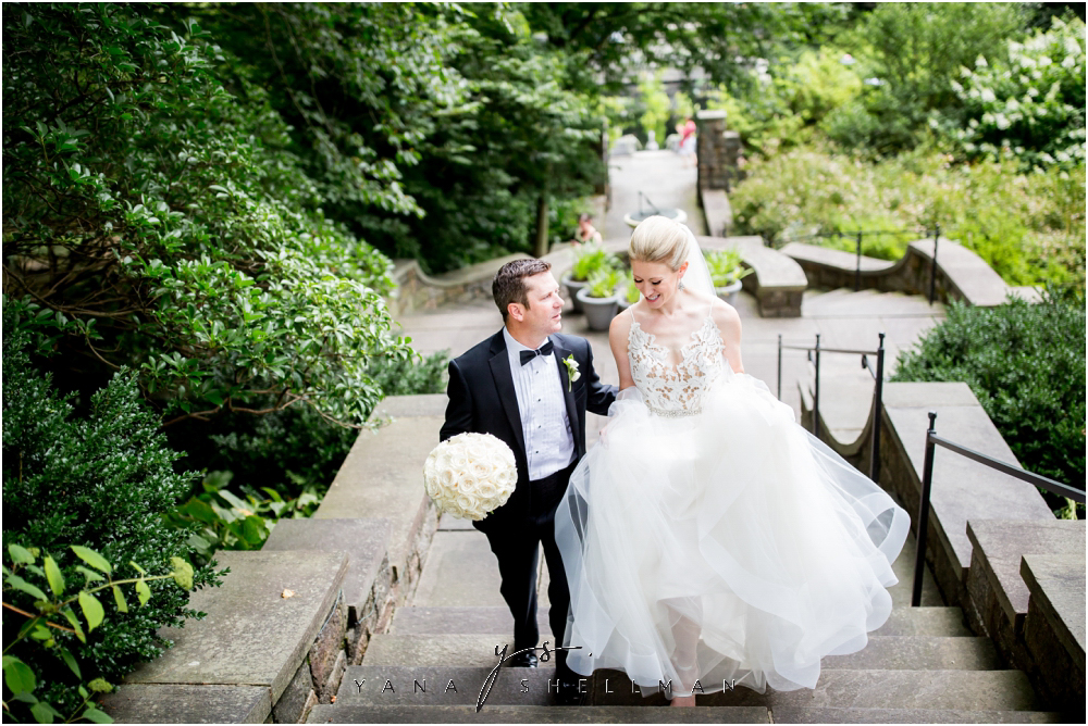 Winterthur Museum Wedding capture by the best Mt Laurel Wedding Photographers - Carie+Kevin Wedding Photos