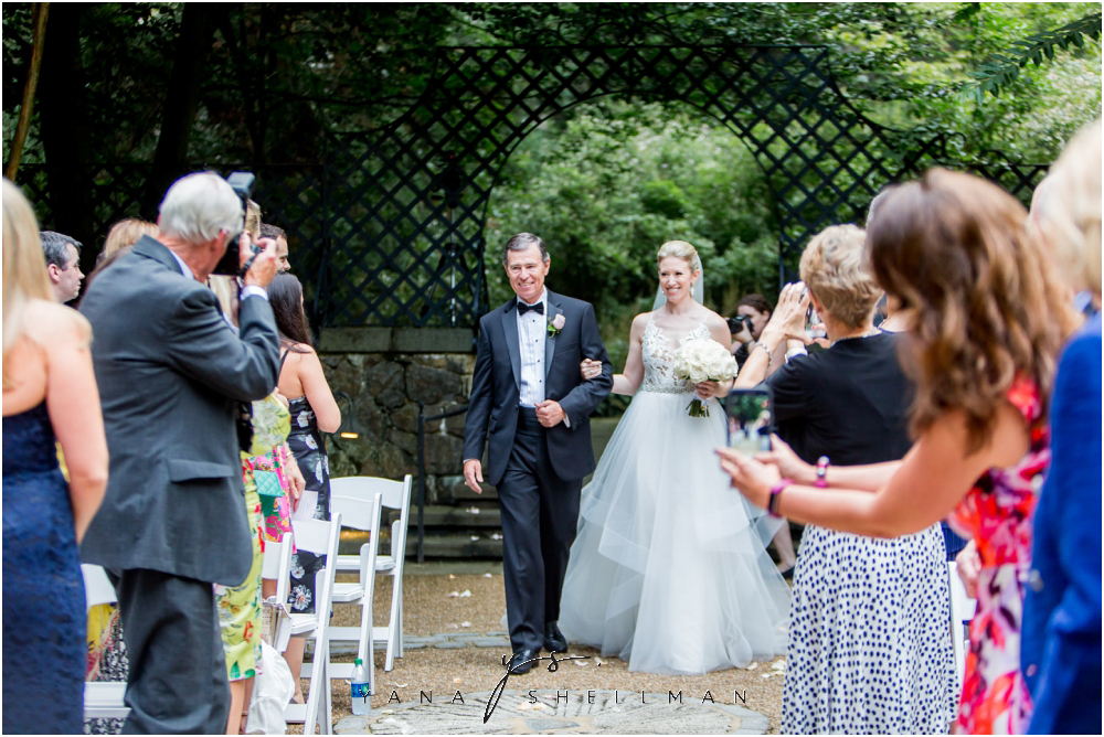 Winterthur Museum Wedding capture by Lambertville Wedding Photographers - Carie+Kevin Wedding Photos