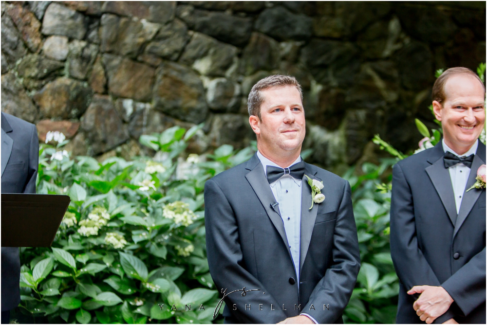 Winterthur Museum Wedding capture by the best Lambertville Wedding Photographer - Carie+Kevin Wedding Photos