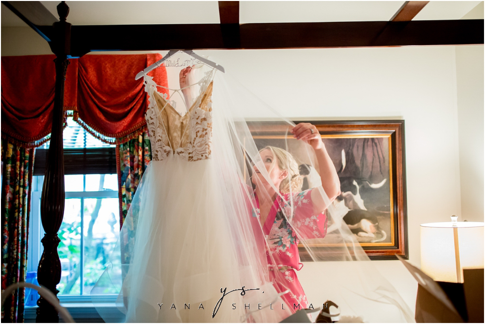 Winterthur Museum Wedding capture by the best Philadelphia Wedding Photographers - Carie+Kevin Wedding Photos