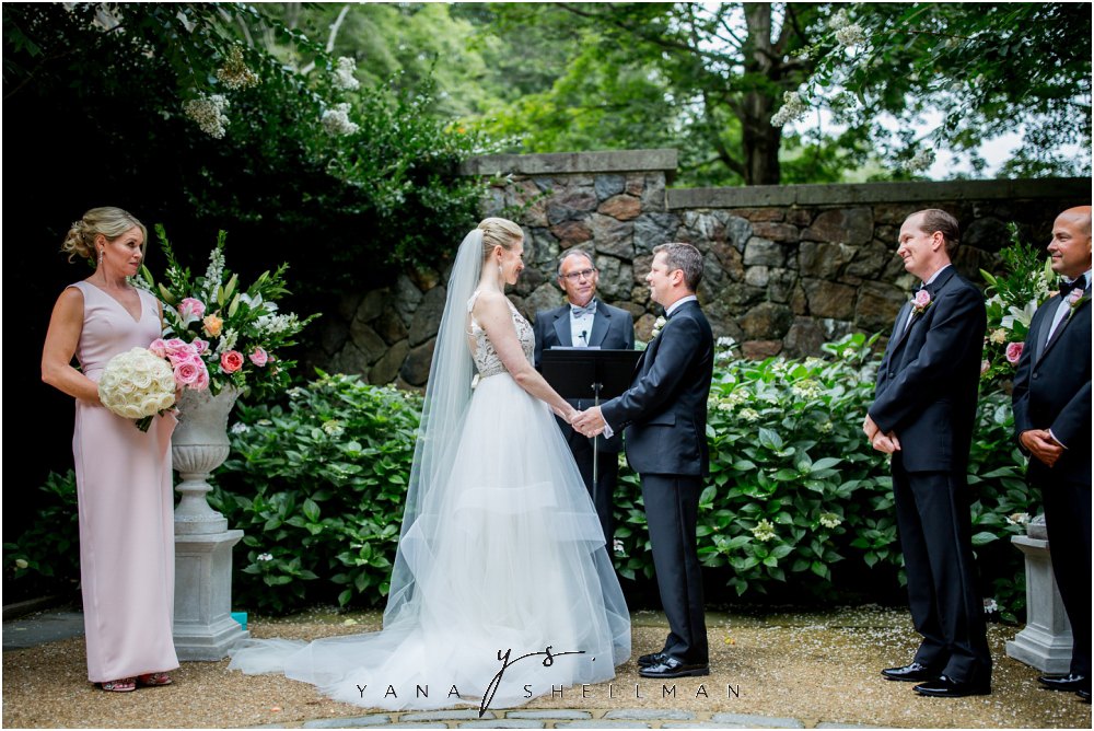 Winterthur Museum Wedding capture by the best LBI Wedding Photographers - Carie+Kevin Wedding Photos