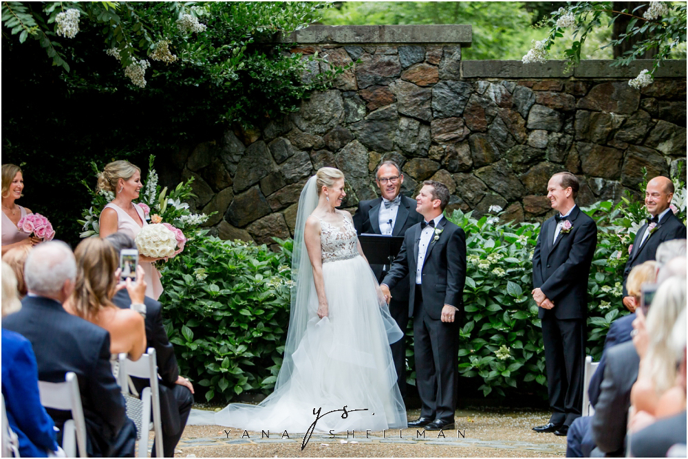 Winterthur Museum Wedding capture by the best Ocean City Wedding Photographers - Carie+Kevin Wedding Photos