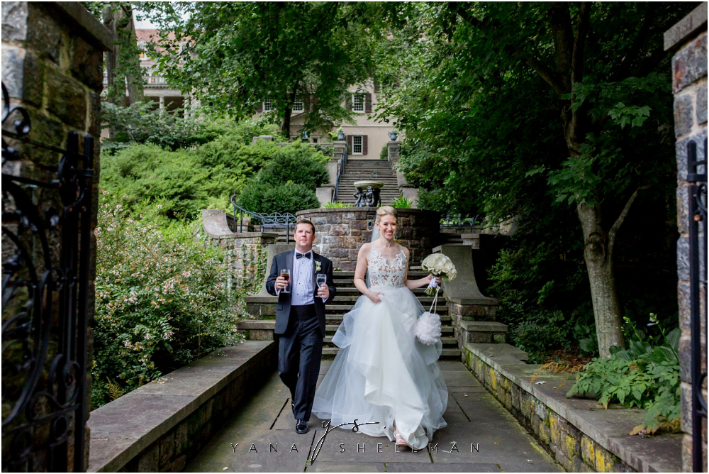 Winterthur Museum Wedding capture by the best Jersey City Wedding Photographers - Carie+Kevin Wedding Photos