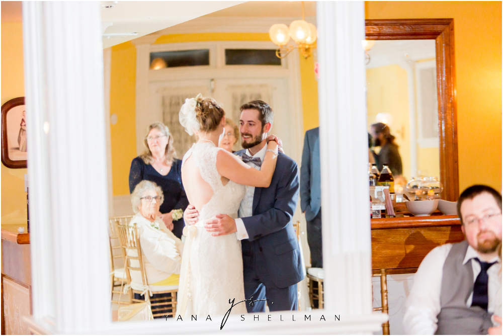 Southern Mansion Wedding Photos by the best Atlantic City Wedding Photographers - Kayla+Dean Wedding