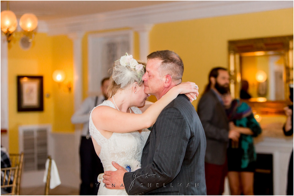 Southern Mansion Wedding Photos by the best Hainesport Wedding Photographers - Kayla+Dean Wedding