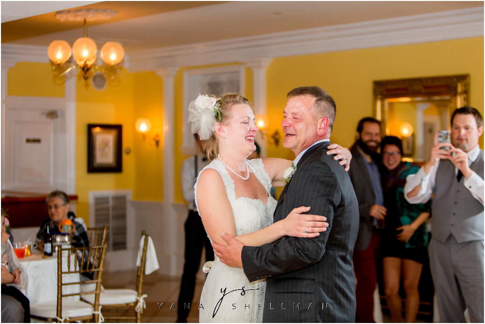 Southern Mansion Wedding Photos by Cinnaminson Wedding Photographer - Kayla+Dean Wedding